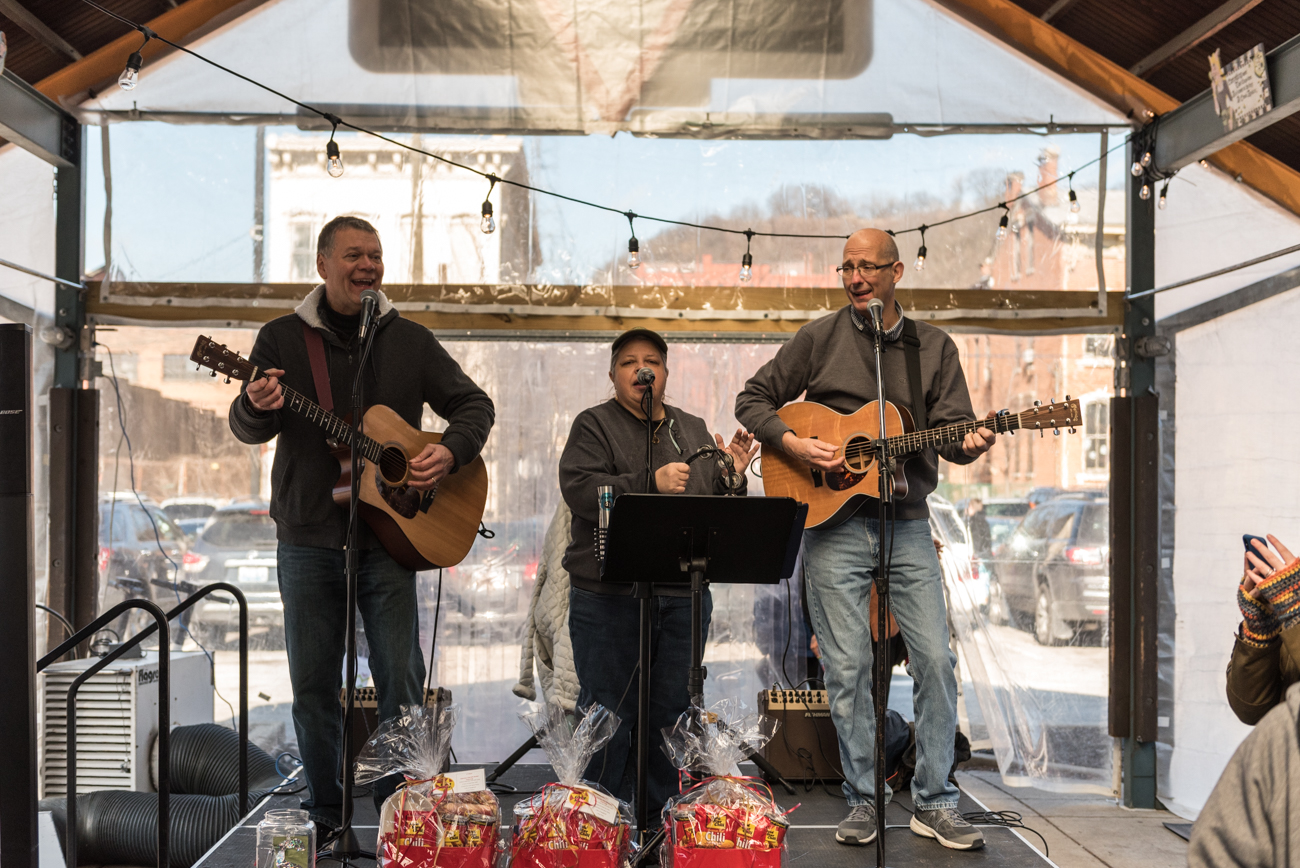 Everything's Jake provided live music for the cook-off / Image: Mike Menke // Published: 1.28.19