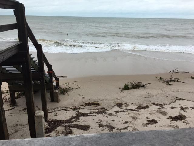 Man Cave Vero Beach : Vero beach hurricane matthew update wpec