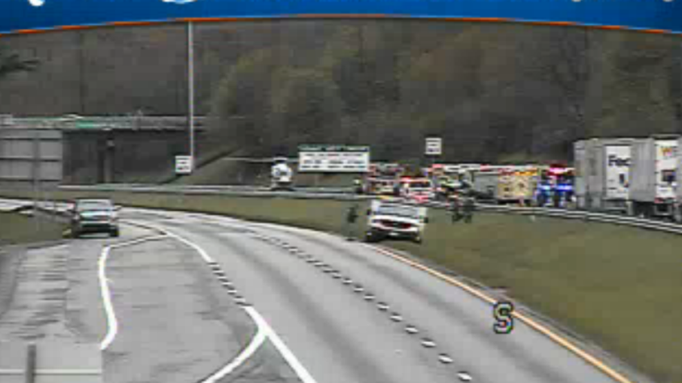 Police: At least 2 dead in I-81 crash, road back open | WSET