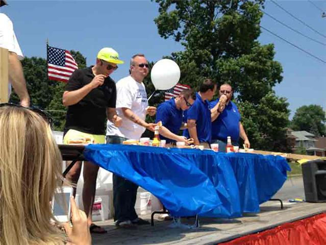 Chowing for Charity pitted The Quincy Herald-Whig against KHQA.