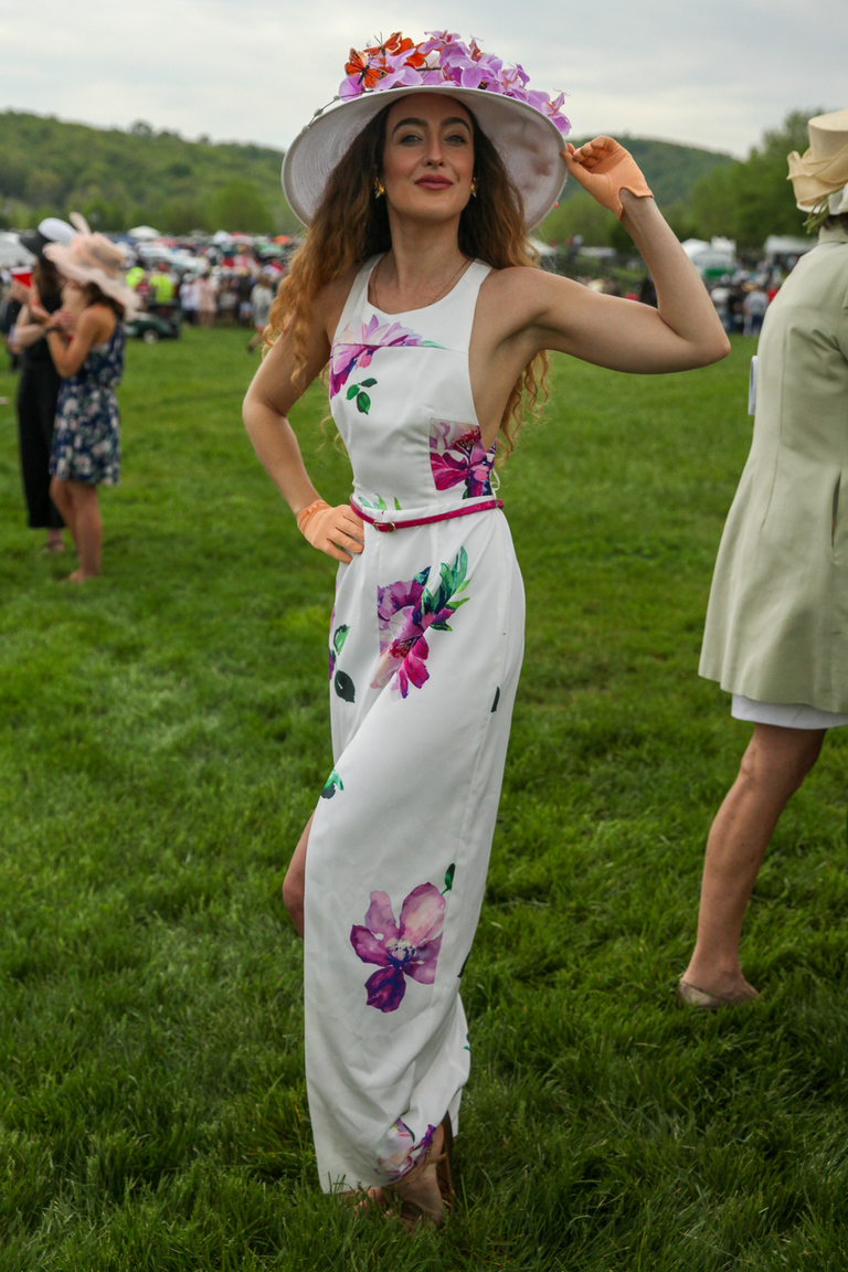 At Gold Cup:{ }Check out this classically beautiful look. (Amanda Andrade-Rhoades/DC Refined)