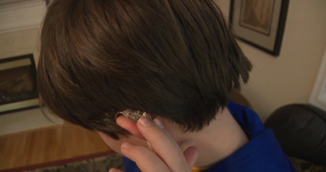 "Stutter Stopped| Teen Calls Device a ""Miracle"""