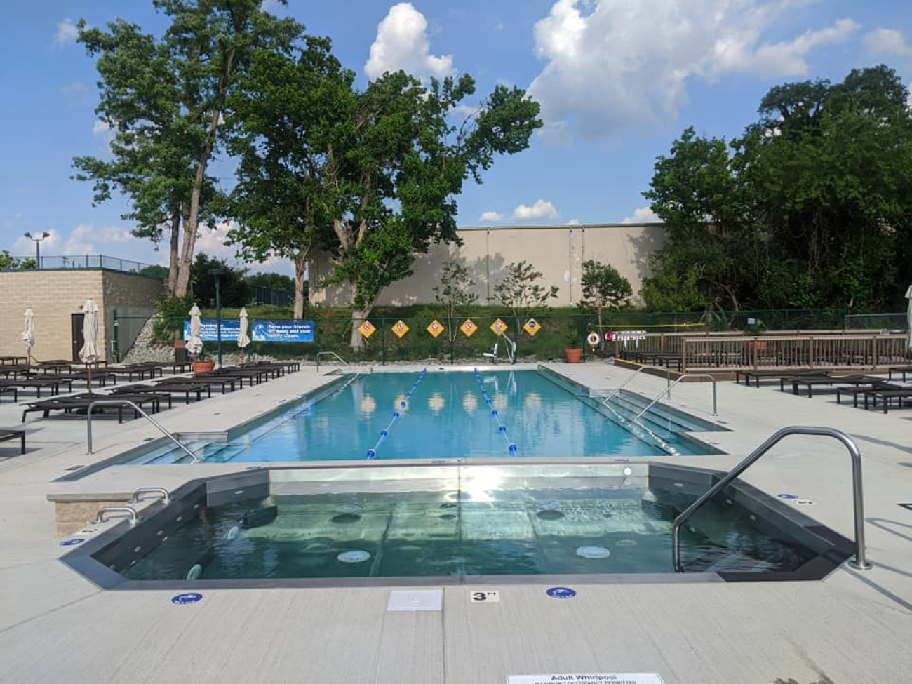 Year-round memberships are available for singles, couples, and families. The new adult-only pool will be open daily from 10 AM to 9 PM. / Image courtesy of Cincinnati Sports Club // Published: 6.27.20