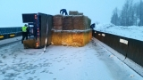 I-90 reopens near Snoqualmie Pass after semi truck rollover crash