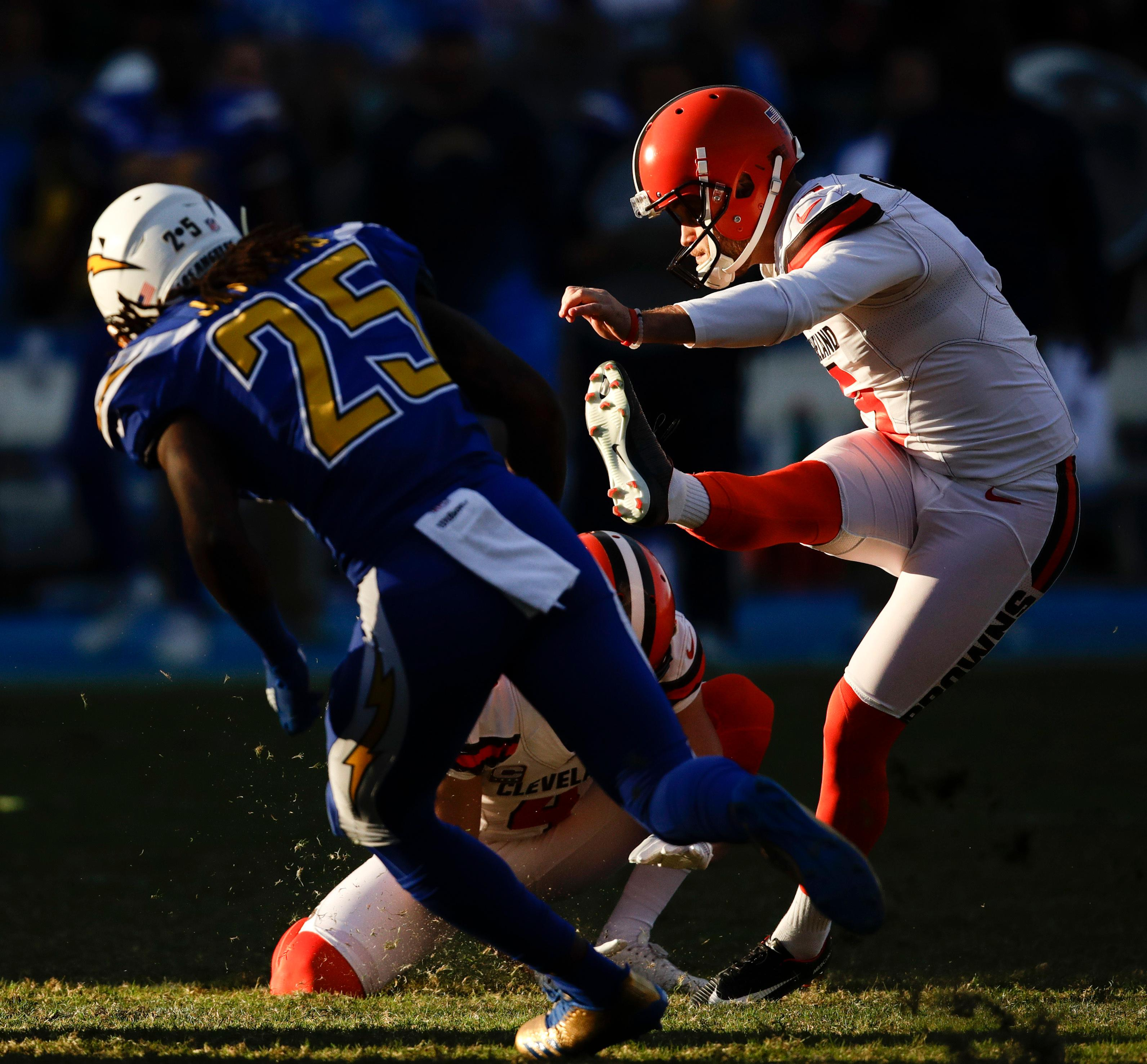 Cleveland Browns kicker Zane Gonzalez kicks a field goal against the Los Angeles Chargers during the second half of an NFL football game Sunday, Dec. 3, 2017, in Carson, Calif. (AP Photo/Jae C. Hong)