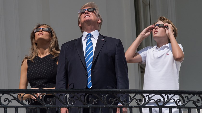 trump-eclipse1-1503359672329-8071570-ver1-0.jpg