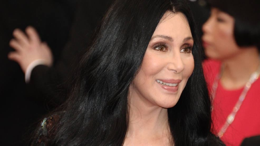 Cher's 181K water bottles arrive in Flint for residents ...