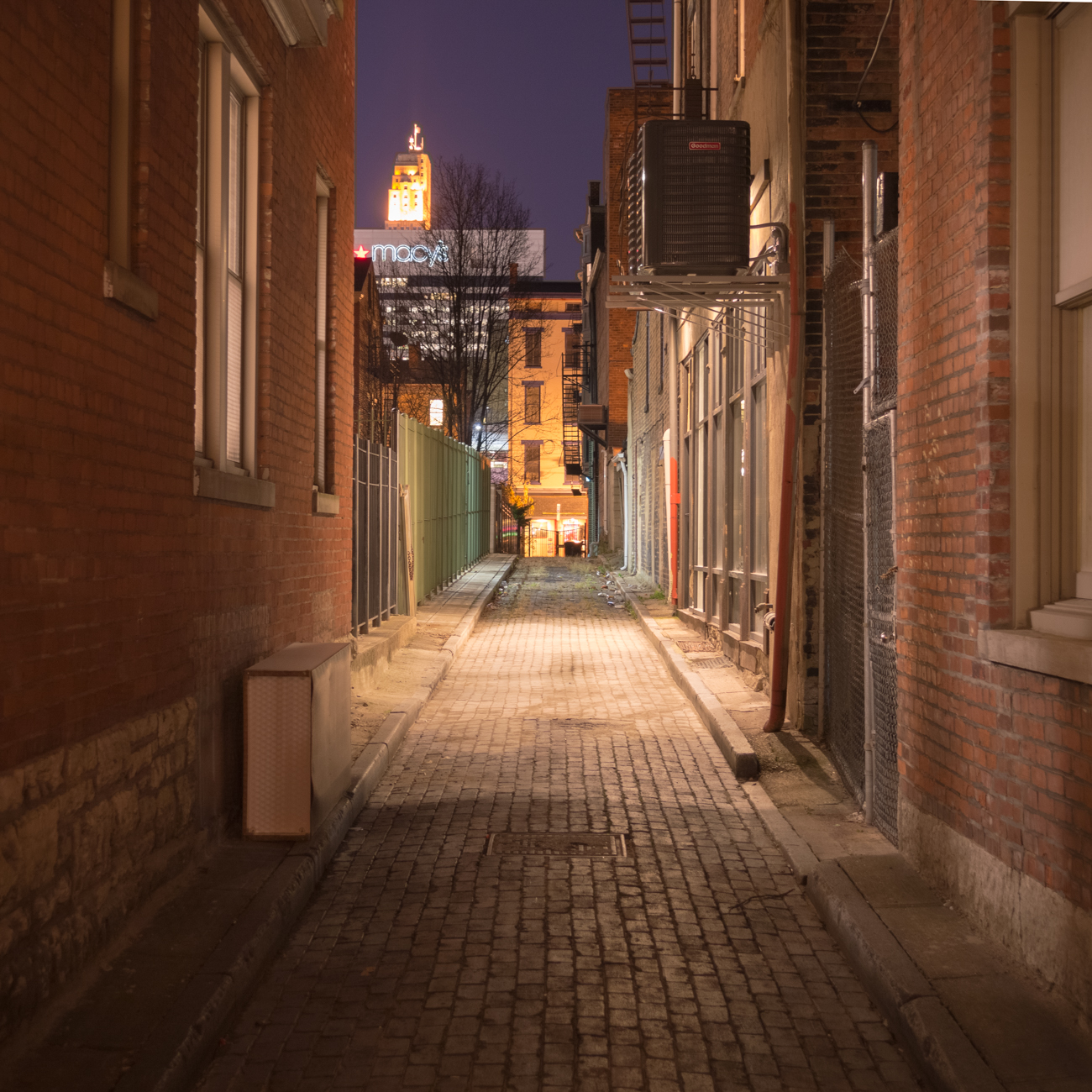 NAME: Baldwin Alley / CONNECTS: 13th Street to Weaver Alley / NEIGHBORHOOD: Downtown & OTR / Image: Phil Armstrong, Cincinnati Refined