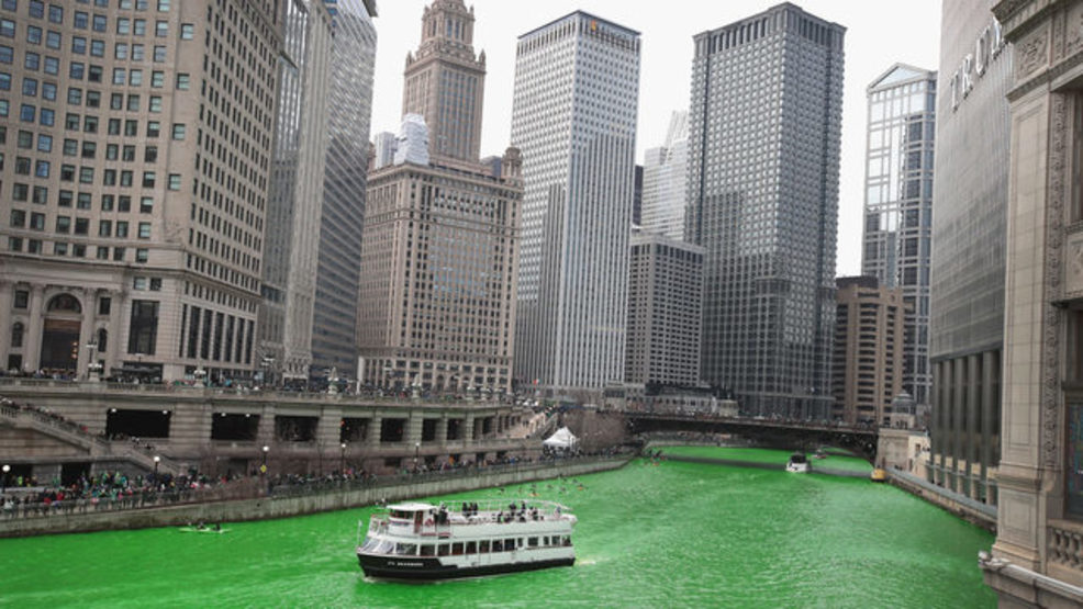 Chicago River green St. Patrick's Day.jpg