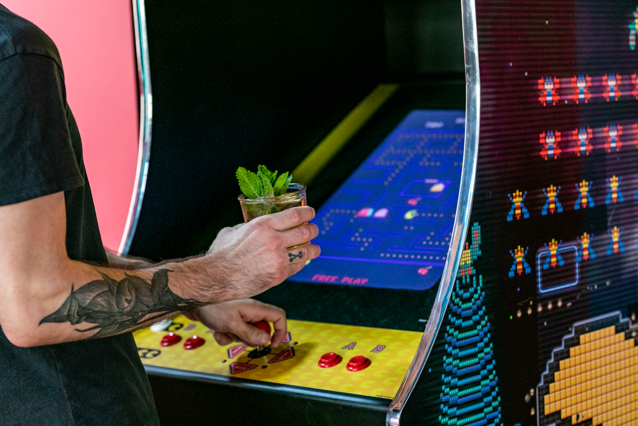 Have a drink, play an old arcade game at Homemaker's Bar / Image: Amy Elisabeth Spasoff