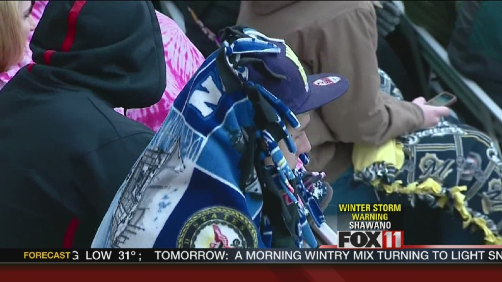 Fans brave cold for Timber Rattlers opening day