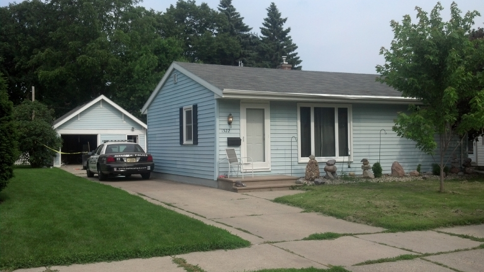 A suspected meth lab was found at this home in Oshkosh, Friday, June 27, 2014. (WLUK/Alex Ronallo)