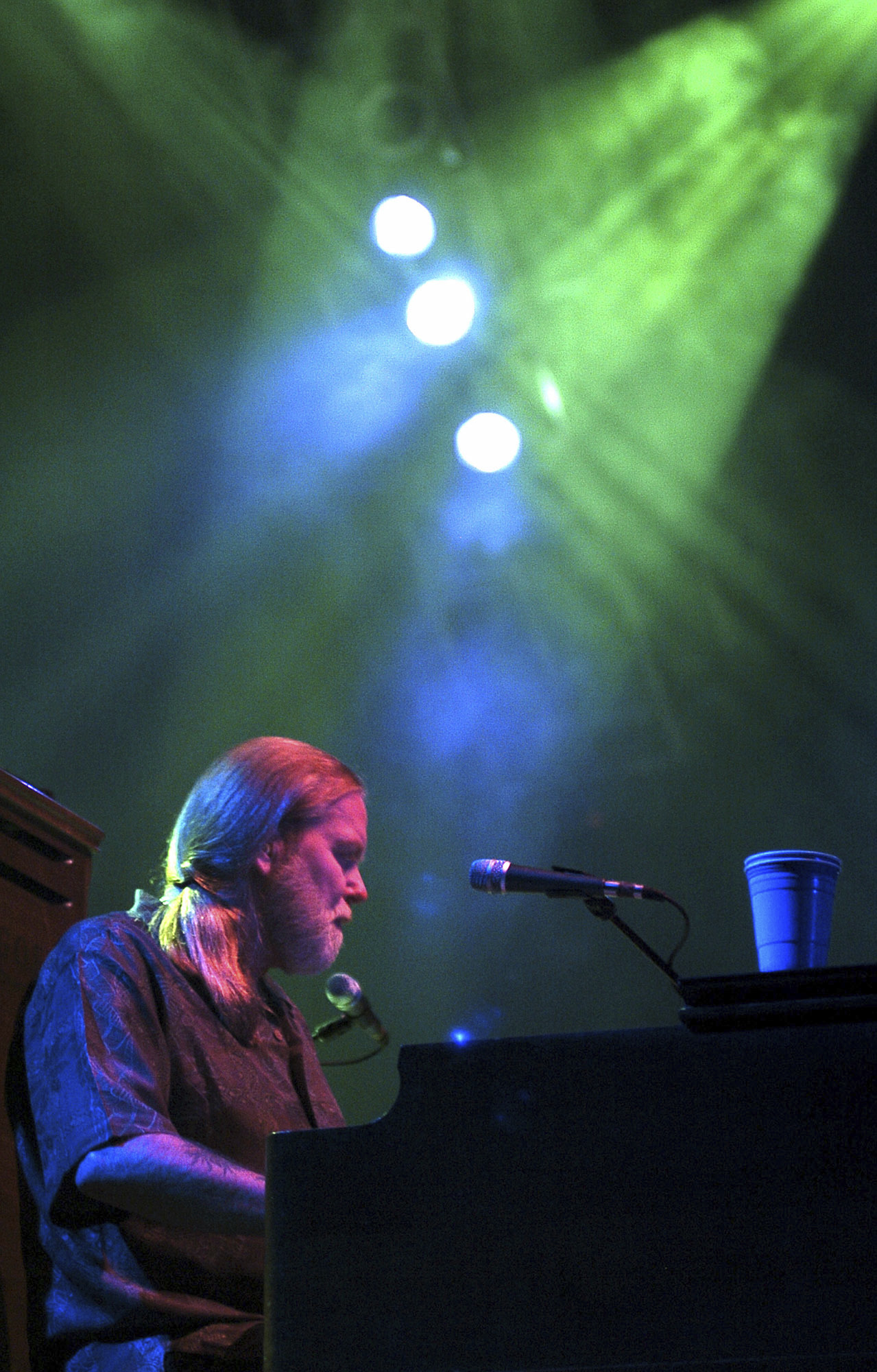 FILE - In this Saturday, Sept. 17, 2005 file photo, Gregg Allman of the Allman Brothers Band performs at the Mid-America Center in Council Bluffs, Iowa, as part of their Antigone Rising Tour. On Saturday, May 27, 2017, a publicist said the musician, the singer for The Allman Brothers Band, has died. (AP Photo/The Daily Nonpareil, Ben DeVries)