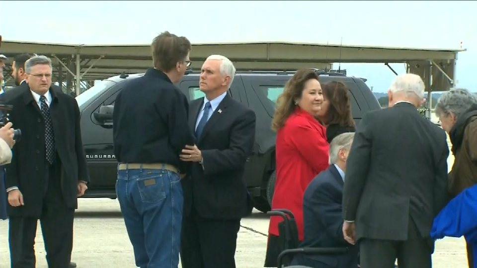 Vice President Pence arrives in San Antonio, to visit Sutherland Springs victims, attend prayer vigil (SBG San Antonio)<p></p>