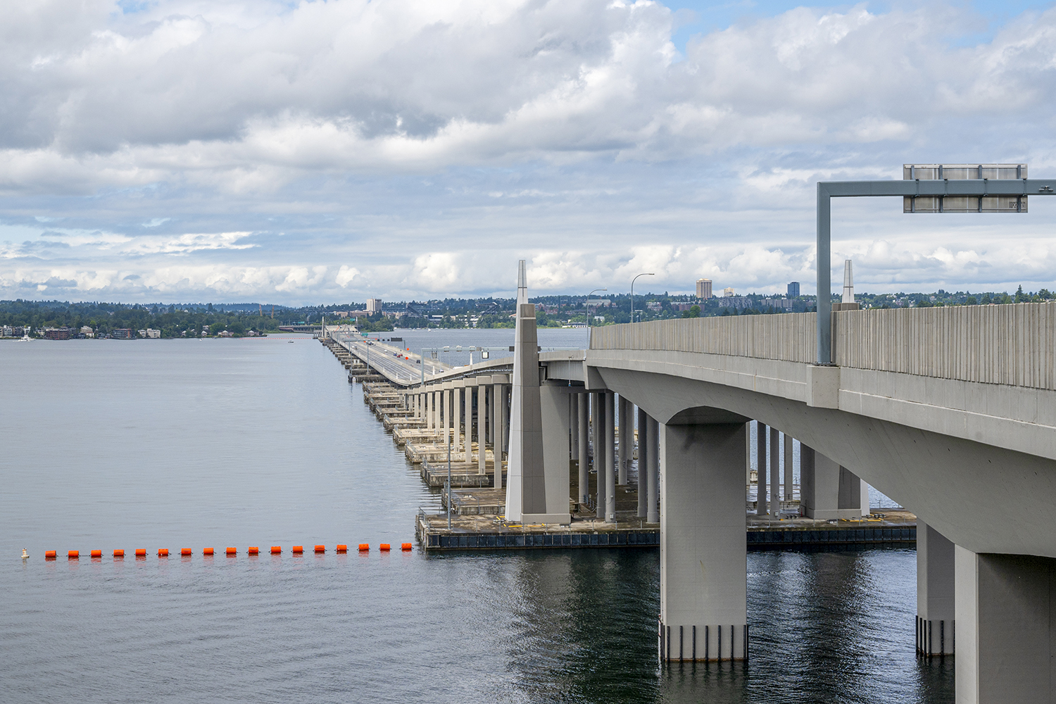 Washington's Evergreen Point Floating Bridge, commonly known as the 520 Bridge, is the longest floating bridge in the world at 1.4 miles across (and the world's widest, too). (Image: Rachael Jones / Seattle Refined)