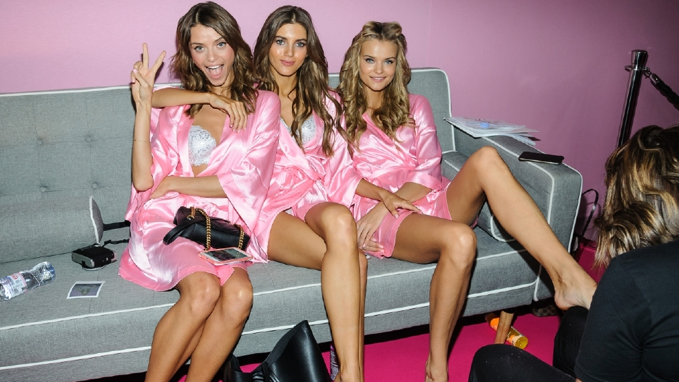 Take a peek: Models backstage for Victoria's Secret Fashion Show in Paris