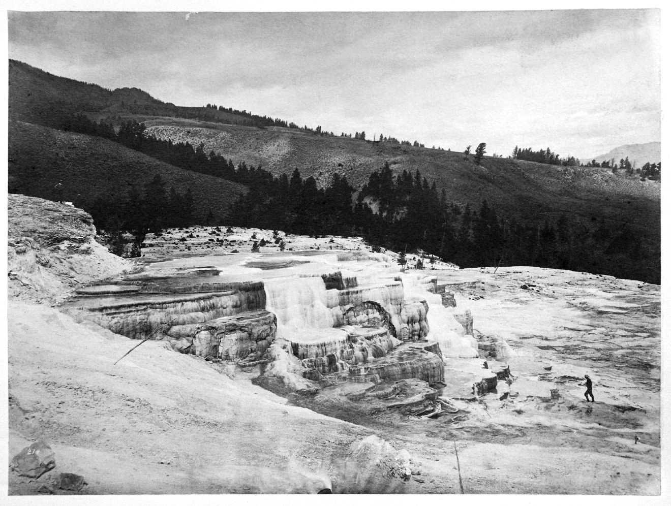 Photo exhibit shows yellowstone changes over 140 years wjar for 1 park terrace glastonbury