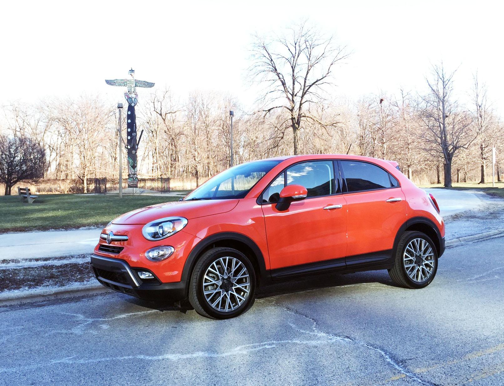 2016 fiat 500x the cute compact crossover kmtr. Black Bedroom Furniture Sets. Home Design Ideas