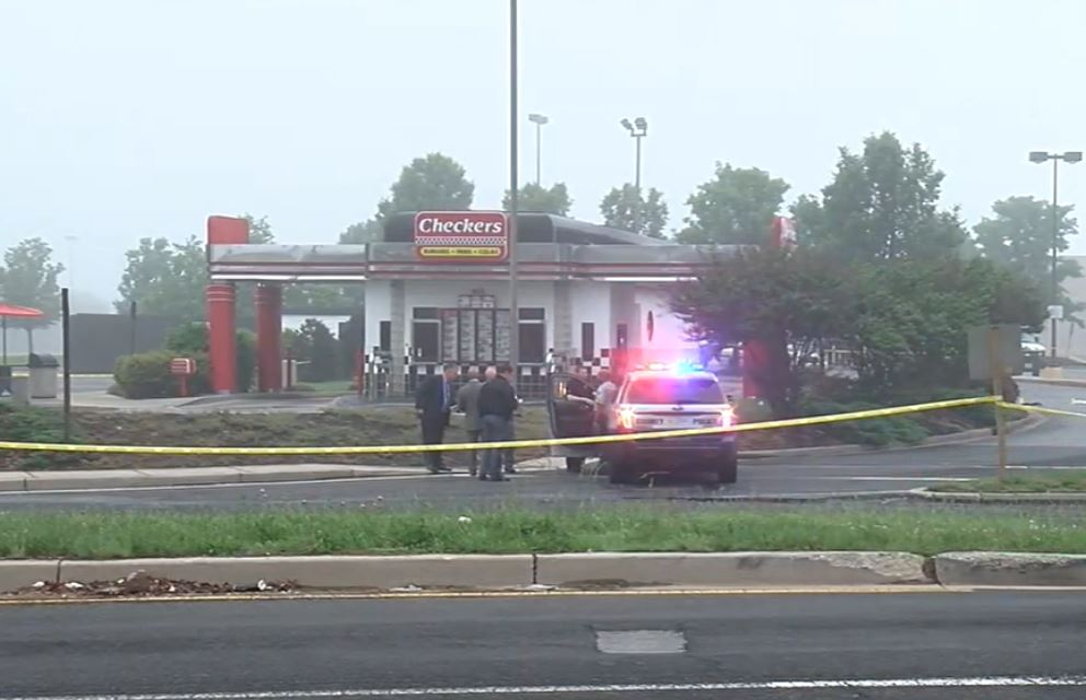 Police shoot, kill armed robbery suspect at Checkers in Clinton, Maryland. (ABC7)