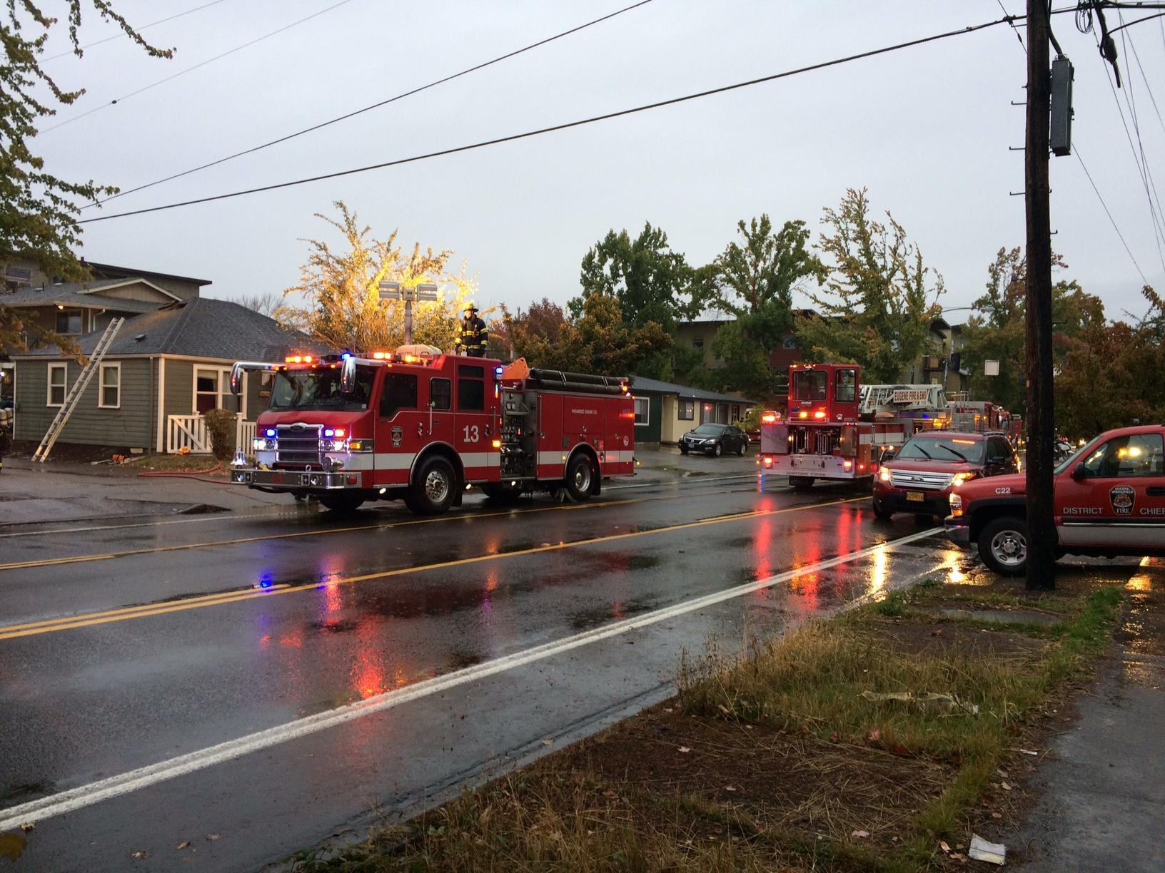 Fire crews on 18th Ave. in Eugene, October 12, 2017. (SBG)