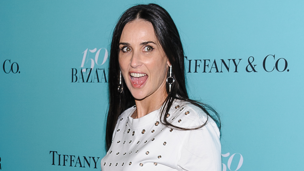 Demi Moore Missing Two Front Teeth Wjla