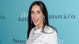 Demi Moore now missing two front teeth