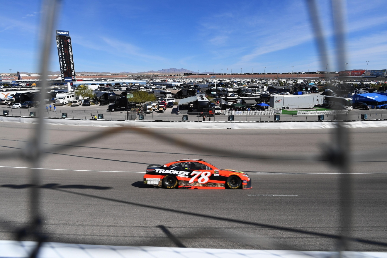 Martin Truex Jr. makes his way through turn one during the Monster Energy NASCAR Cup Series Kobalt 400 Sunday, March 12, 2017, at the Las Vegas Motor Speedway. (Sam Morris/Las Vegas News Bureau)