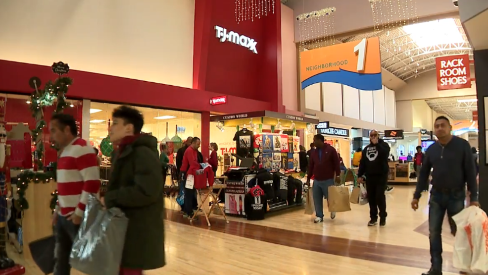 neighborhood stores vs shopping malls