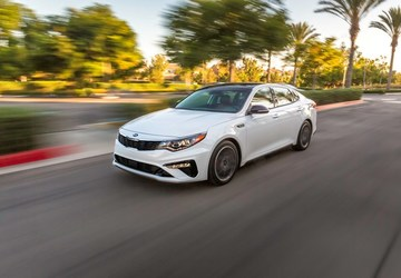 2019 Kia Optima: Kia gives its popular sedan a mid-cycle refresh