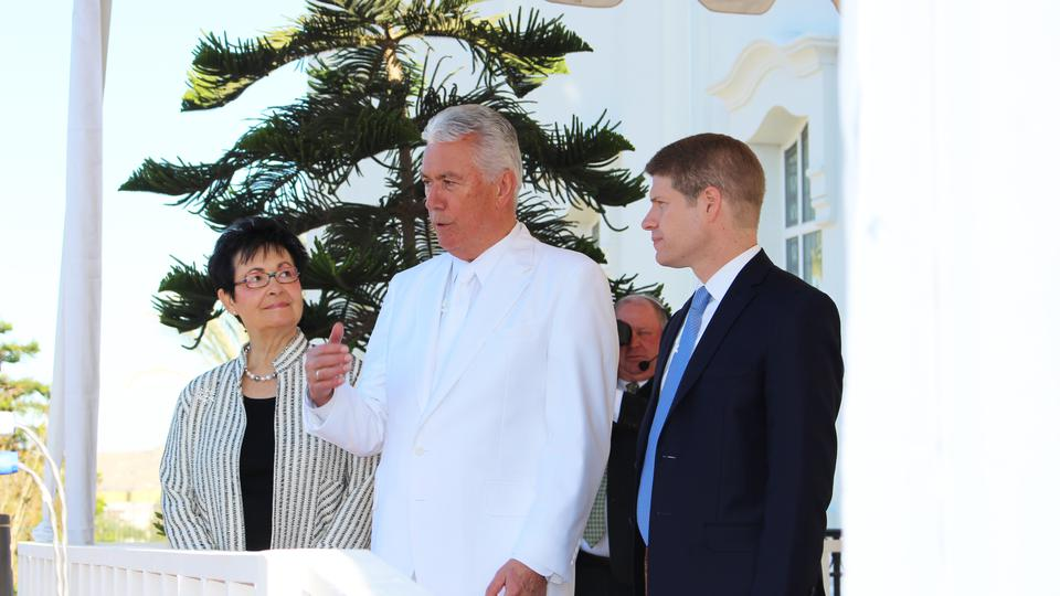 Elder Dieter F. Uchtdorf, second counselor in the Church's First Presidency, dedicate the Tijuana Mexico Temple on Sunday, December 13, 2015 (Photo courtesy: LDS Church)<p></p>