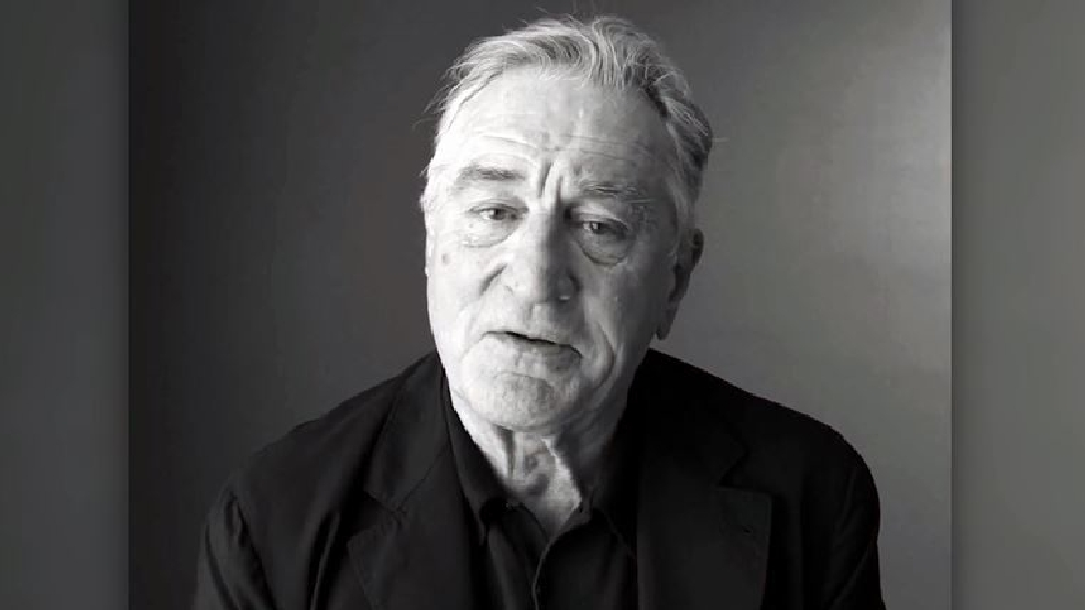 De Niro wants to punch Trump.JPG