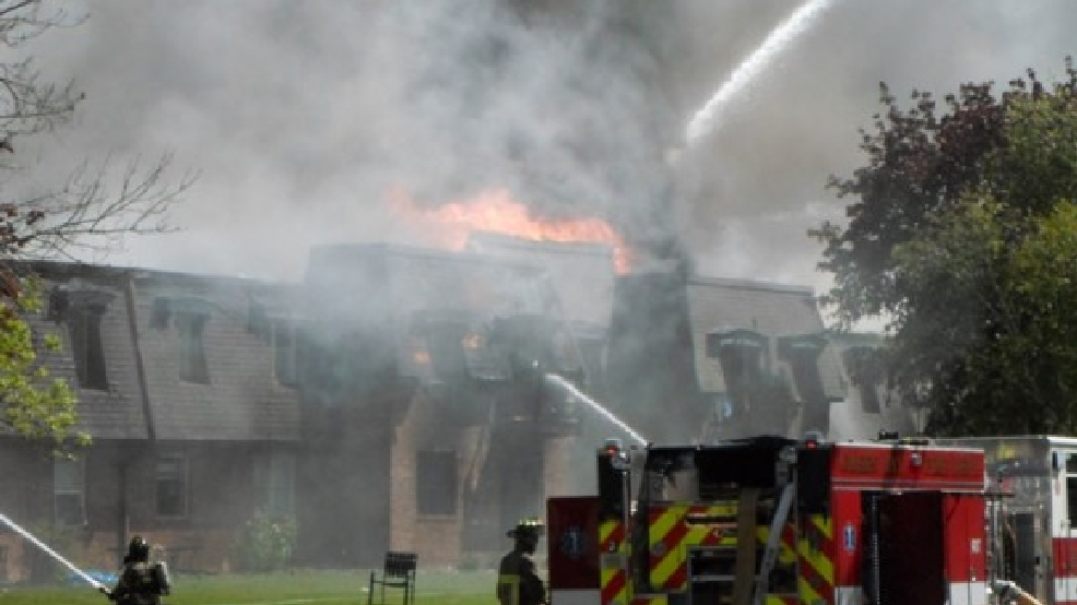 Crews battle a fire at Hilltop Place Apartments in Allouez, May 23, 2013. (Photo: Dan Mullally)