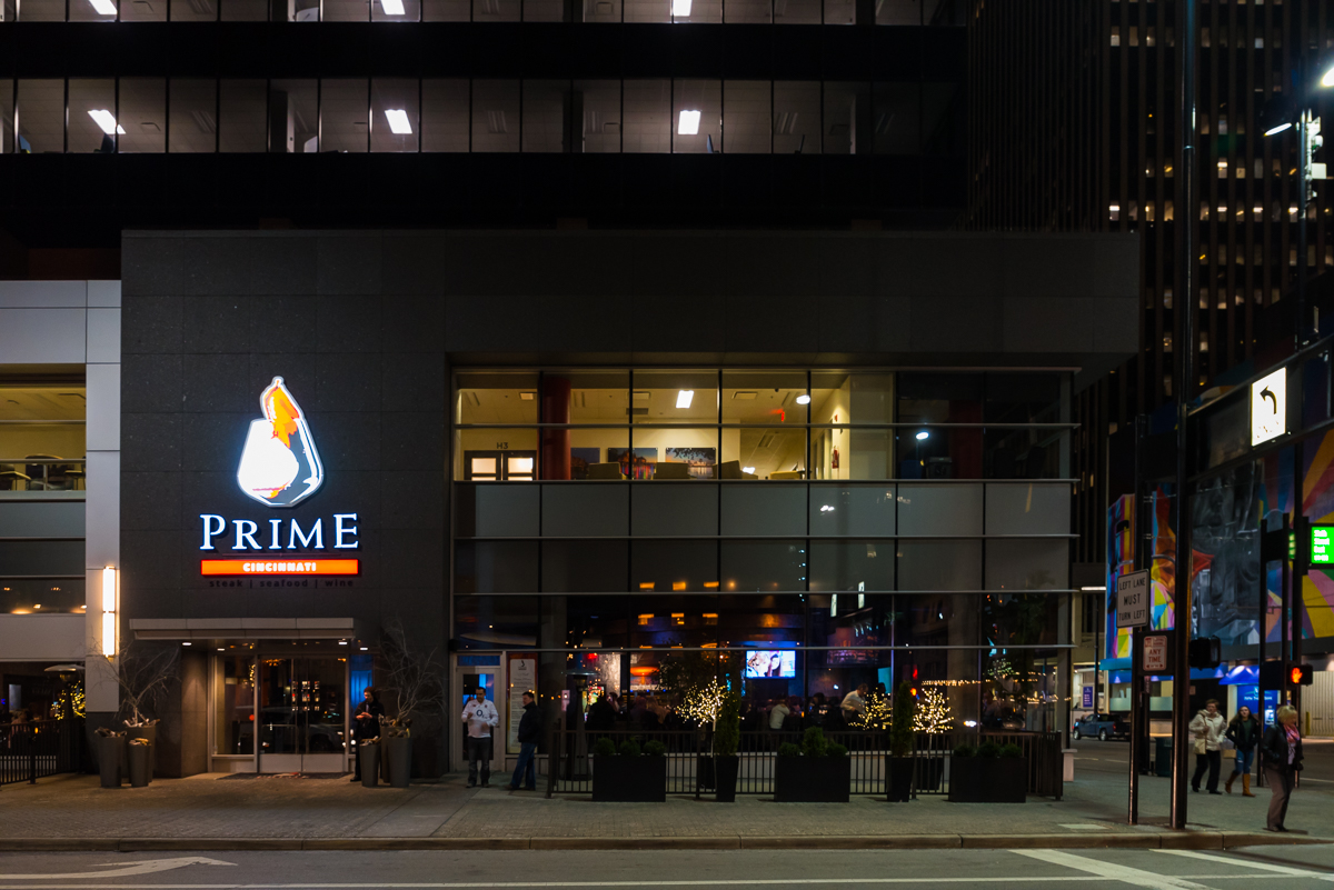 "Cincinnati Refined hosted a ""Happiest of Hours"" event on Friday, Jan. 27 at Prime Cincinnati. This downtown hotspot is the perfect place for a juicy steak or an after-work drink. / ADDRESS: 580 Walnut St. #100, Cincinnati, OH 45202 / Image: Sherry Lachelle Photography / Published: 1.29.17"