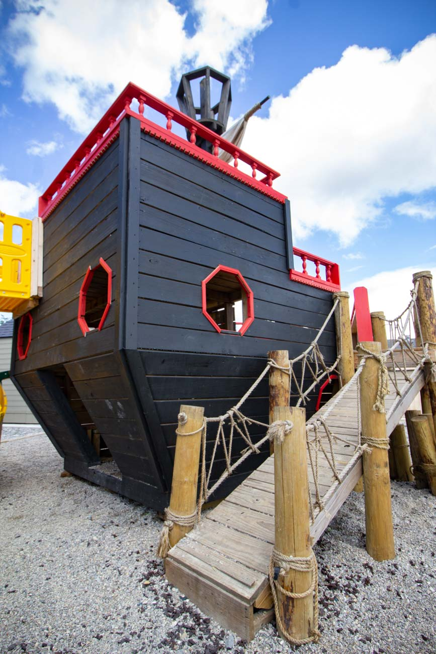 The indoor dining space is temporarily closed, but there is plenty of outdoor seating. There's also a playground (with a super cool pirate ship) for the kiddos. / Image: Katie Robinson, Cincinnati Refined // Published: 9.3.20