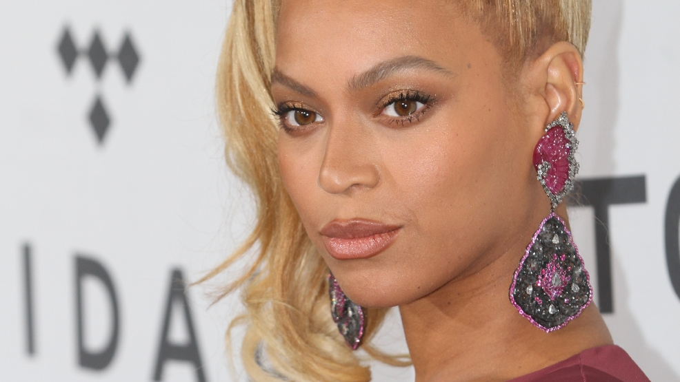 new york police want beyonc to apologize for super bowl