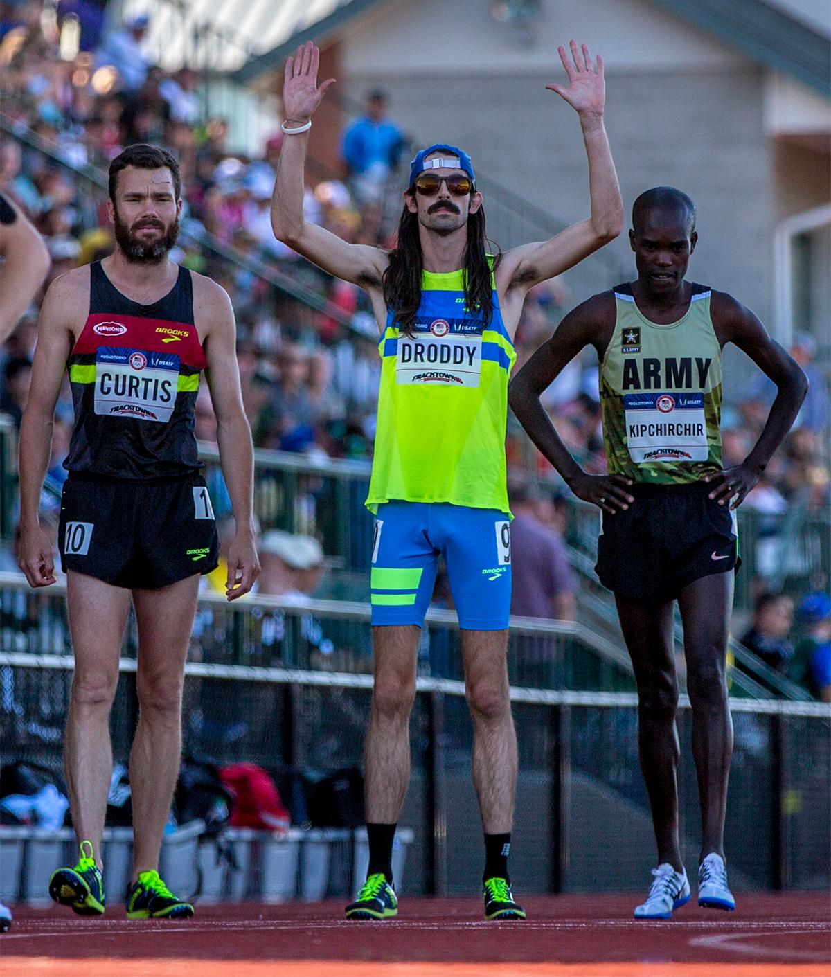 Noah Droddy may have been the lanterne rouge in Fridays 10,000 meter final. But in his race he captured many hearts with his unique hipster athlete style.