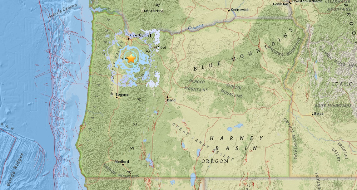 Image depicts the 3.9 earthquake, with the blue lines indicating reports from people who felt the tremors - USGS image<p></p>
