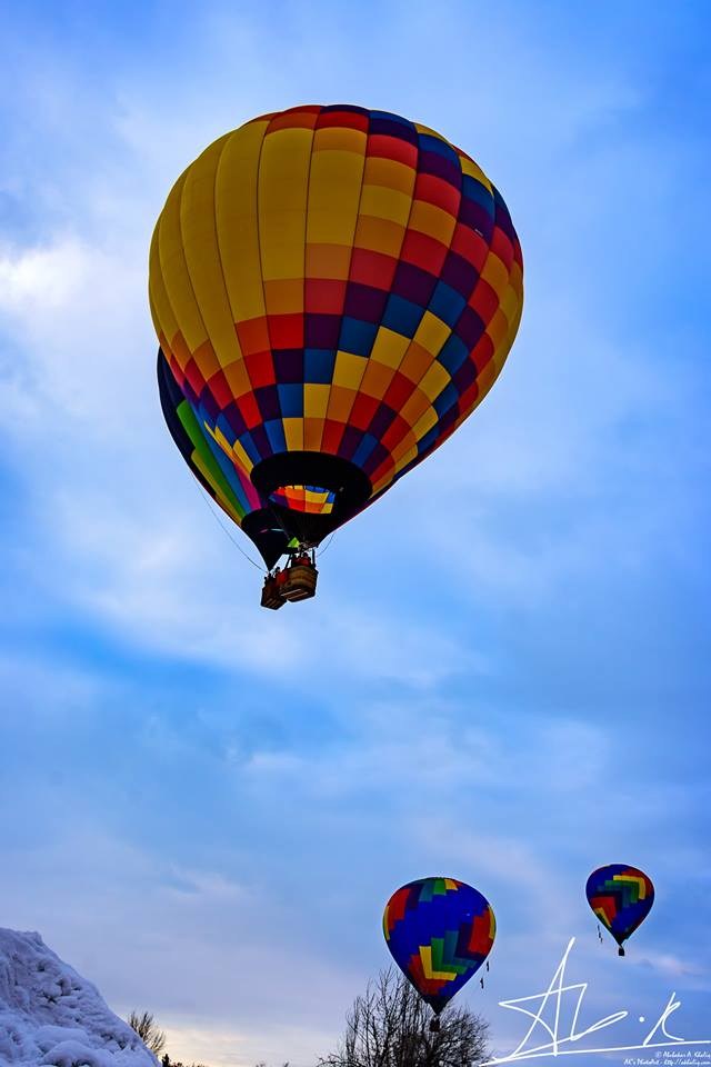 Colorful balloons fill the skies over Winthrop, Wash. (Photo: AK's Clicks)
