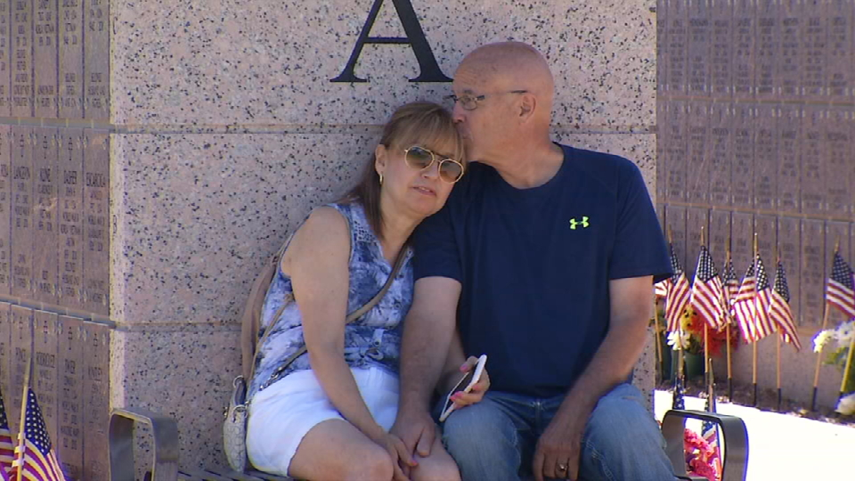 Families honor fallen soldiers at Fort Bliss National Cemetery (Credit: KFOX14/CBS4)