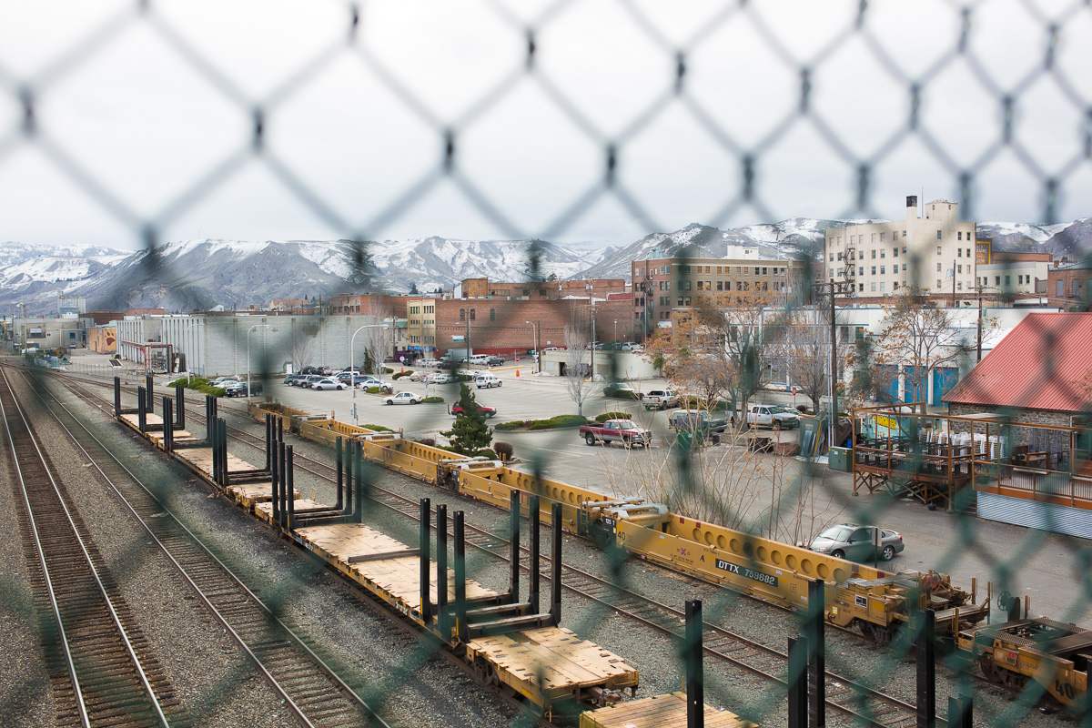 View downtown Wenatchee over the train tracks (Image: Paola Thomas/Seattle Refined)