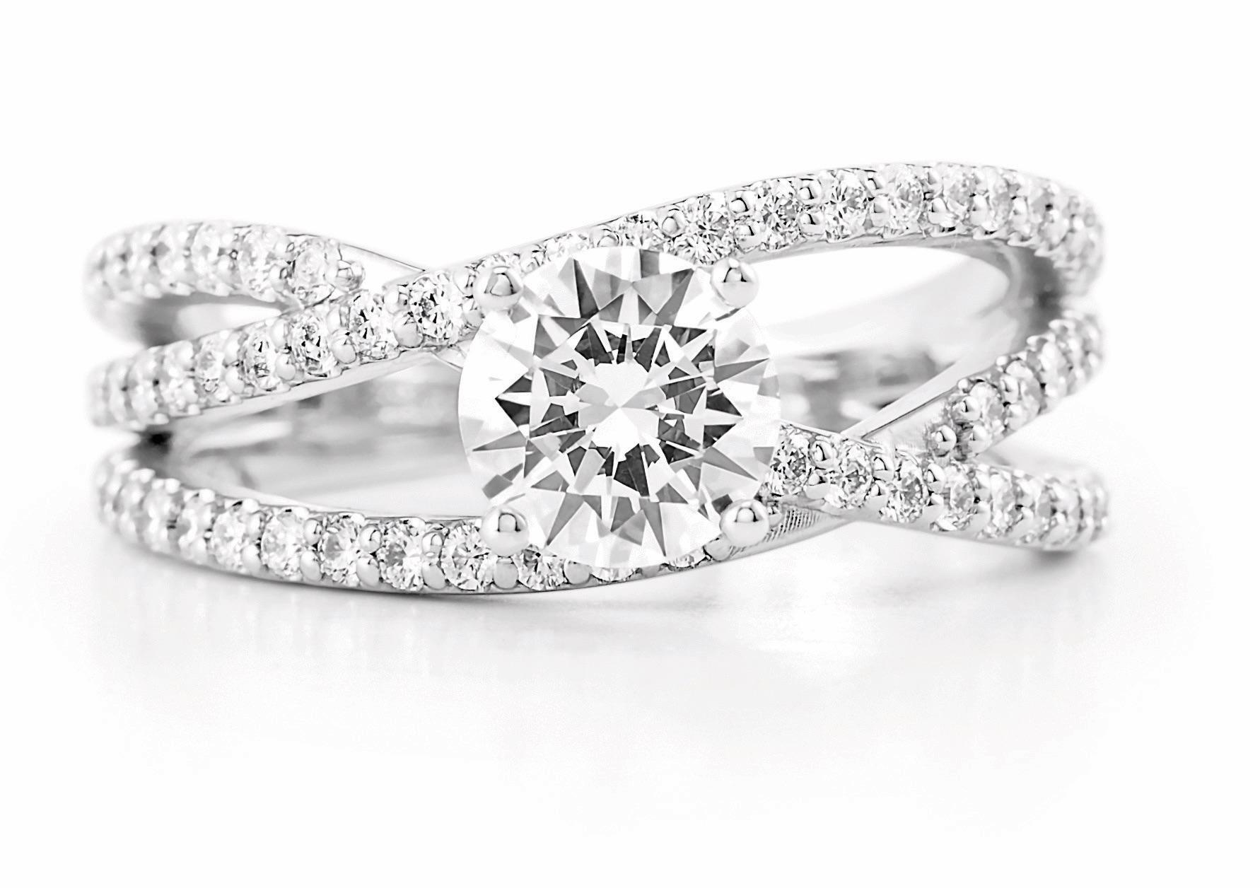 If you're considering popping the question this holiday season or just looking to buy a special piece of jewelry for someone special, don't go shopping before you read these tips from Ramón Garcia. Ramón is a second-generation jeweler, designer and diamond specialist, so his tips are worth their weight in gold (pun totally intended). (Image: Courtesy Silver Spring Jewelry)