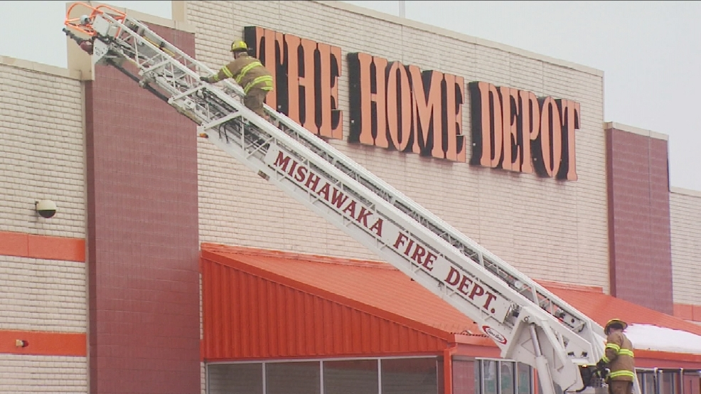 img-Roof-damage-forces-Mishawaka-s-Home-Depot-to-close.jpg