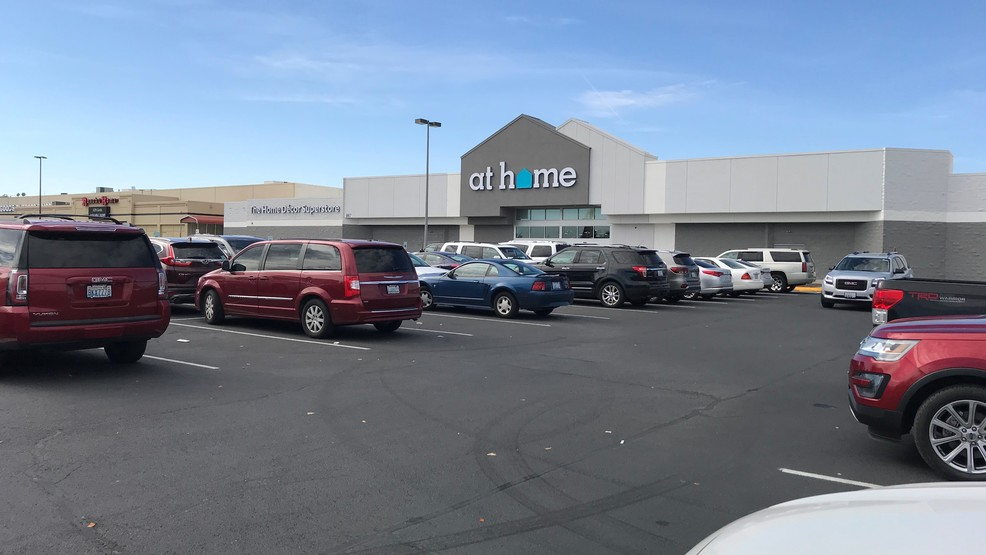 At Home retail store opens in Kennewick