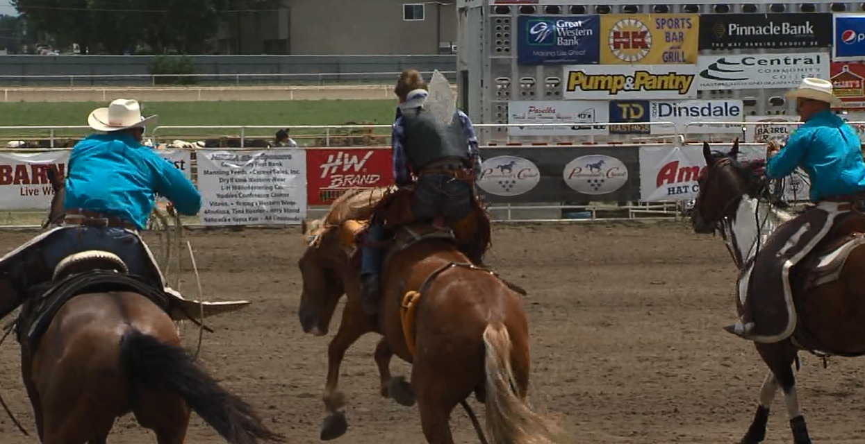 Gauge McBride loses his hat during the bareback riding event at the Nebraska High School Rodeo Finals. (NTV News)