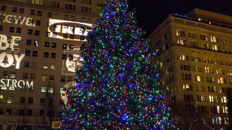 Singing Christmas Tree Portland.Singing Christmas Tree Portlands Singing Christmas Tree