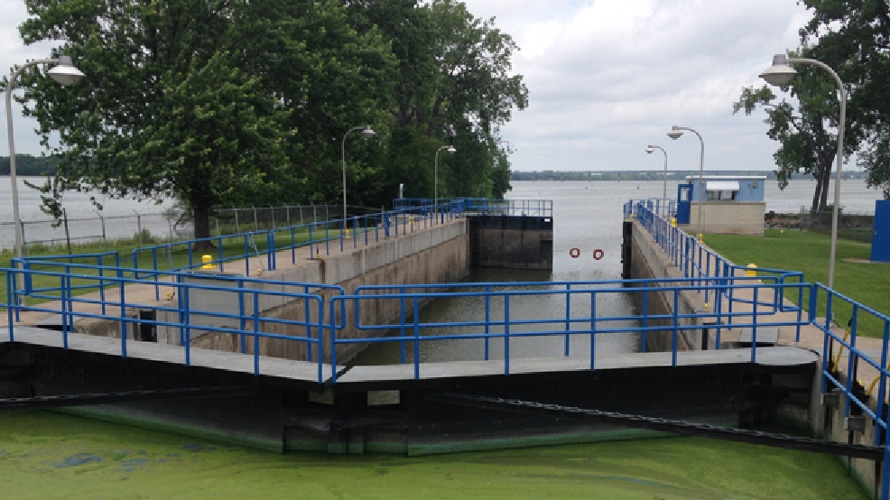 Menasha lock (WLUK file photo/Chris Bourassa)