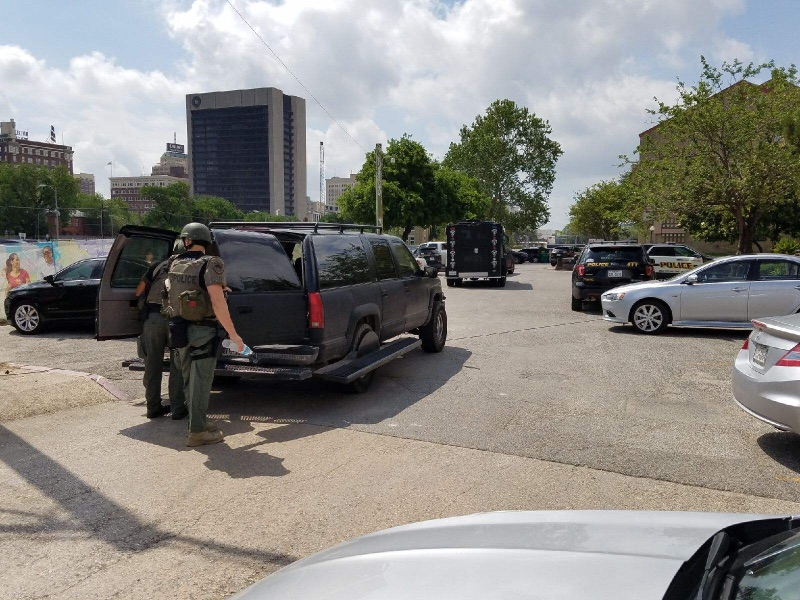 Welfare check turns into standoff with police at downtown apartment complex on Thursday, April 20, 2017. (Photo: Sinclair Broadcast Group)
