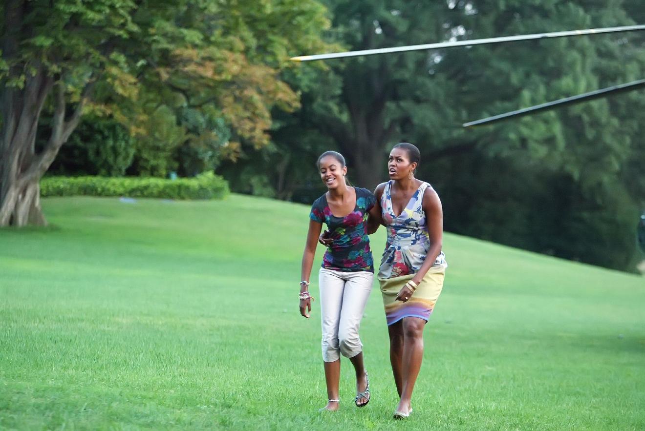 Harvard Bound Malia Obama Graduates High School Kgbt