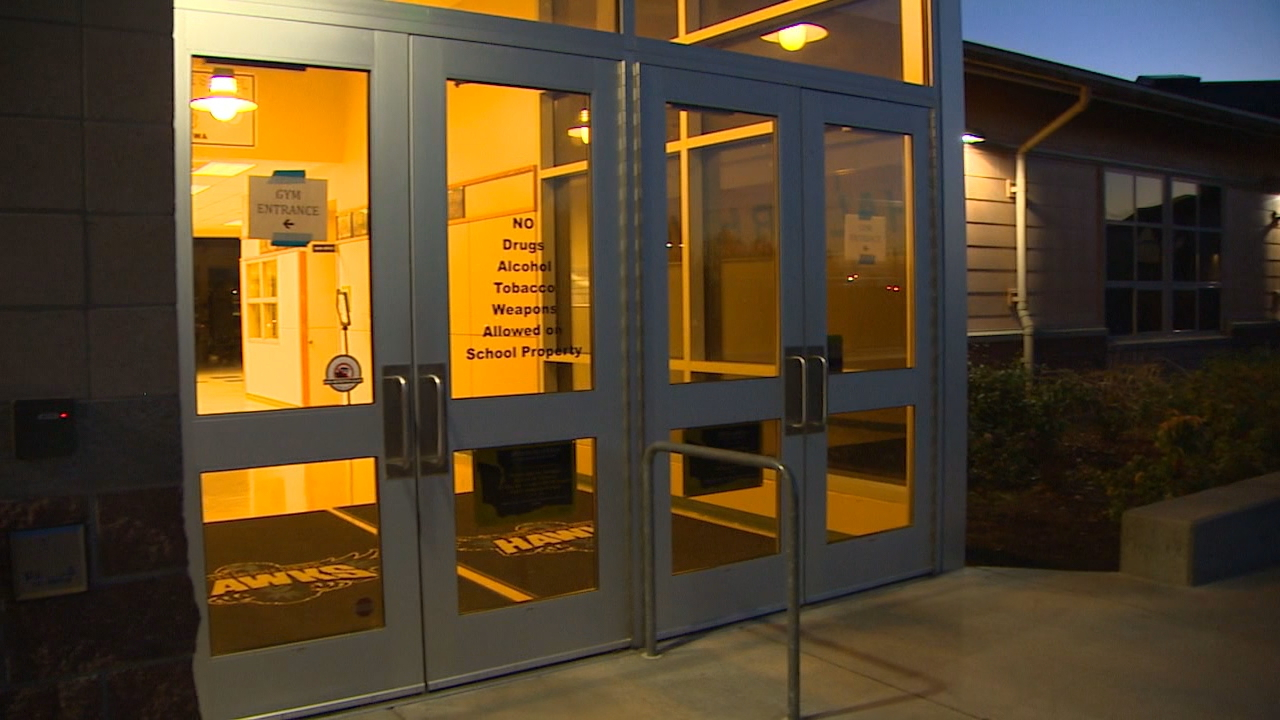 They come standard in every school building but in the debate over c&us safety & Schools take opposite approaches on locking classroom doors | KOMO