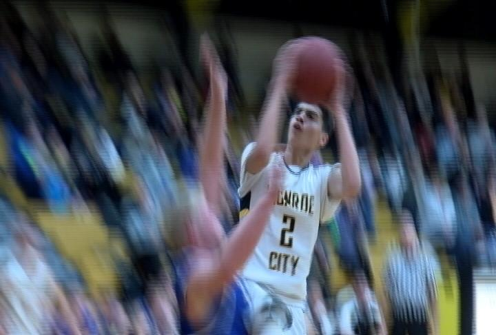CE Talton drops 16 points tonight as Monroe City bests Mark Twain at the MC Tournament{&amp;nbsp;}<p></p>